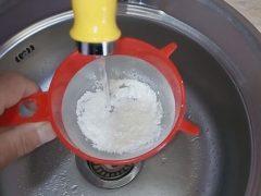 Корм для рыб аквариумных из прокисшего молока